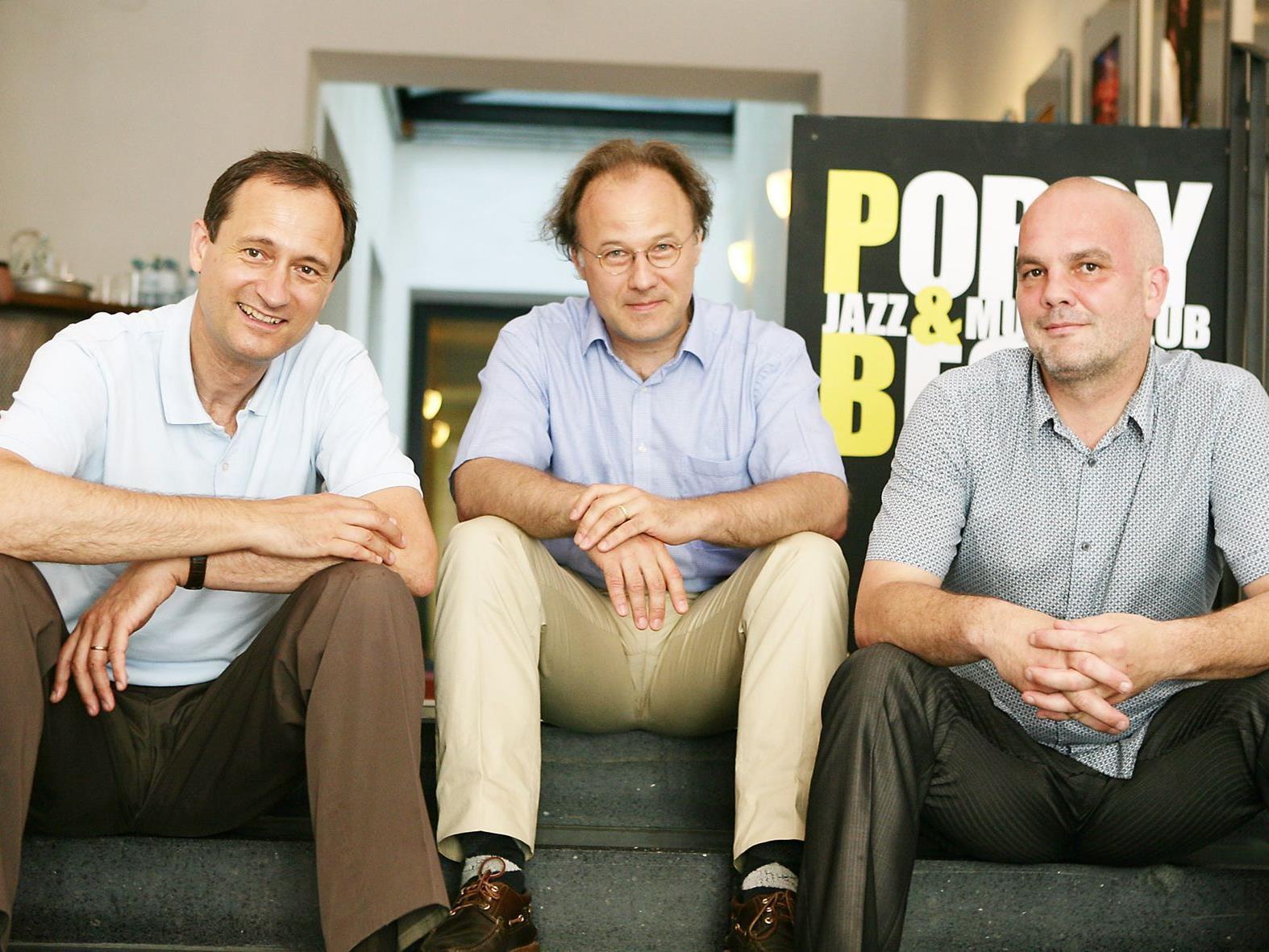 (v.l.n.r.): Kulturstadtrat Andreas Mailath-Pokorny, Komponist & ÖKB-Vizepräsident Alexander Kukelka, Porgy & Bess-Geschäftsführer Christoph Huber