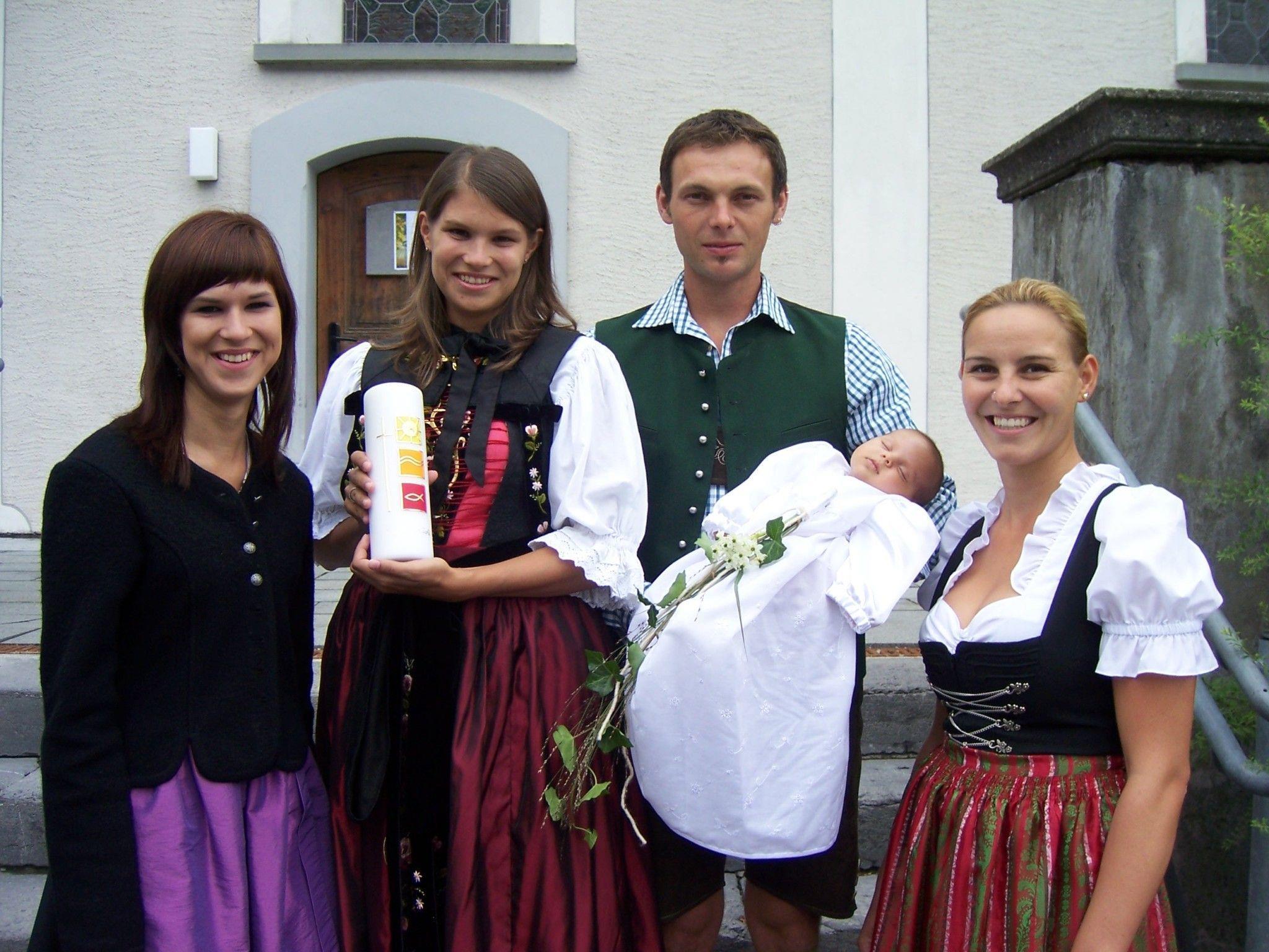 Tauffeier von Paula Saler in der Alten Kirche Vandans