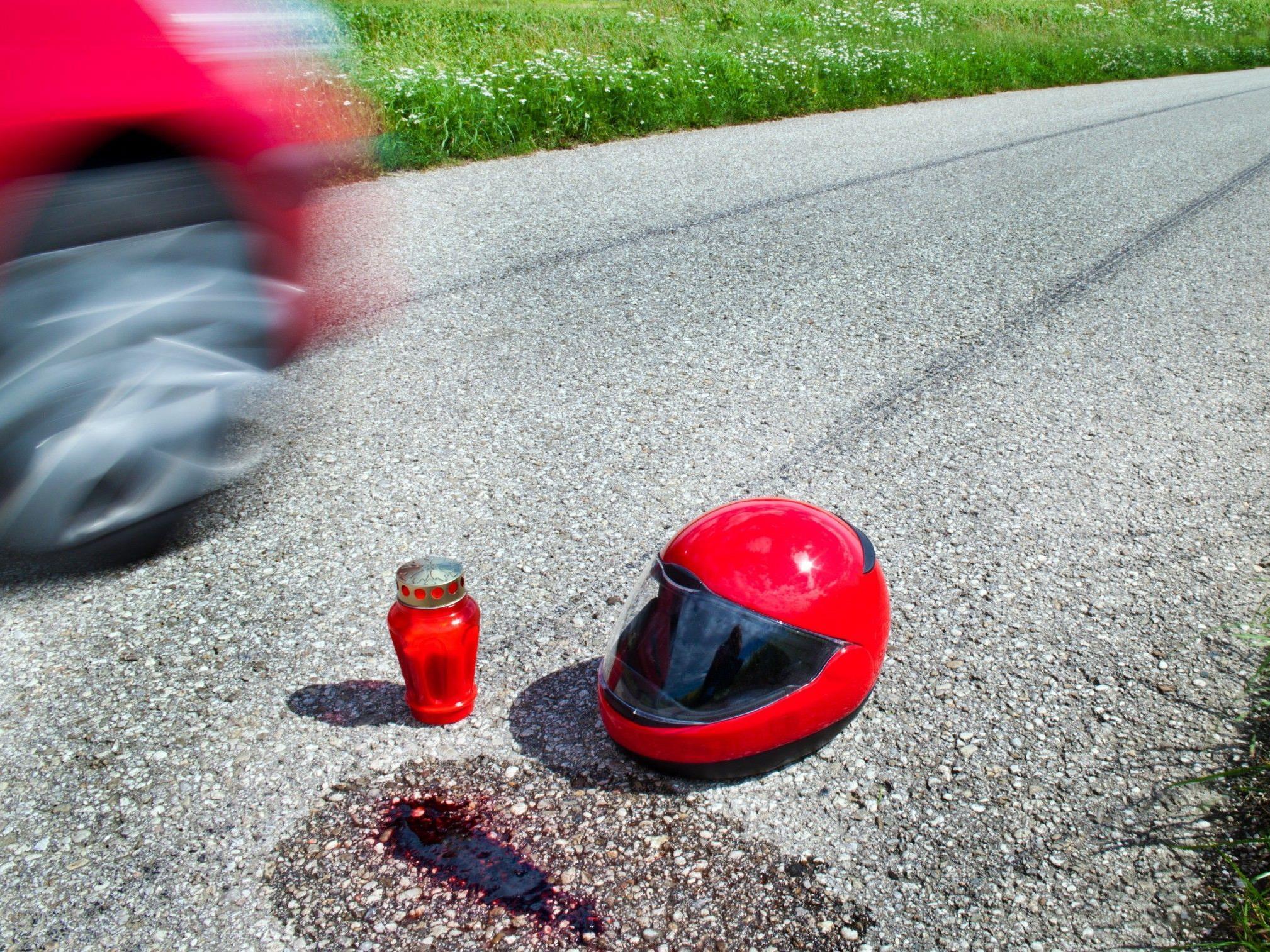 Der Motorradlenker erlag im Krankenhaus seinen schweren Verletzungen.