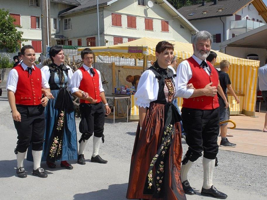 Die Trachtengruppe St. Gallenkirch beim Vorarlberger Landestrachtentag in Krumbach im Bregenzerwald.