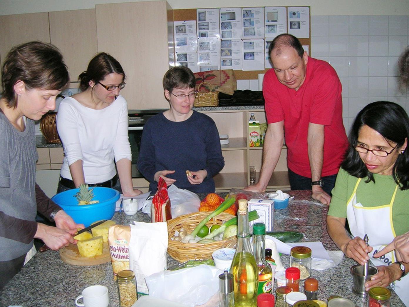 Die Kochkurse der Volkshochschule Hohenems erfreuen sich nach wie vor großer Beliebtheit.