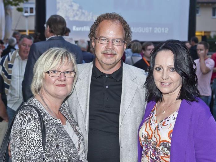 Bürgermeister Florian Kasseroler mit Gattin Angelika (l.) und Heidrun Raunicker (ALPINALE).