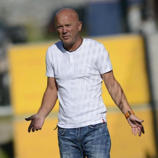 Nenzing-Coach Zeljko Milosevic muss weiter auf den ersten Saisonsieg warten.