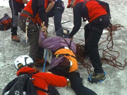 Deutscher überlebte eine Woche in Gletscherspalte.