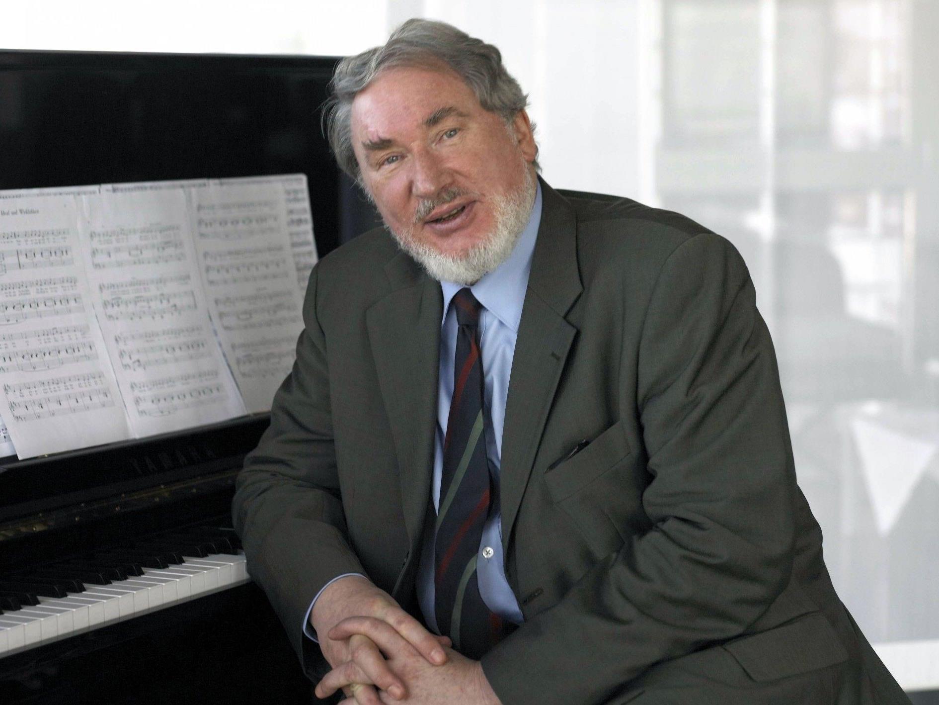 HK Gruber: Unterhaltsamer Composer, Conductor und Chansonnier am Pult der Wiener Symphoniker.