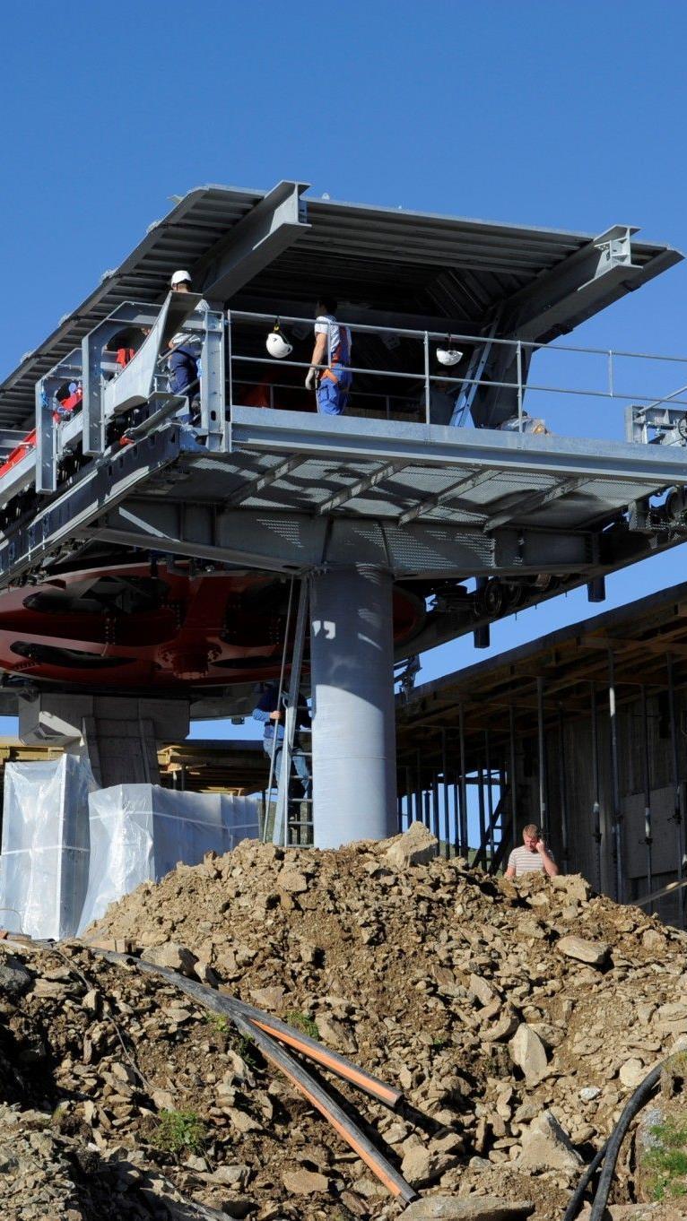 Die Bergstation der Hüttenkopfbahn nimmt Formen an