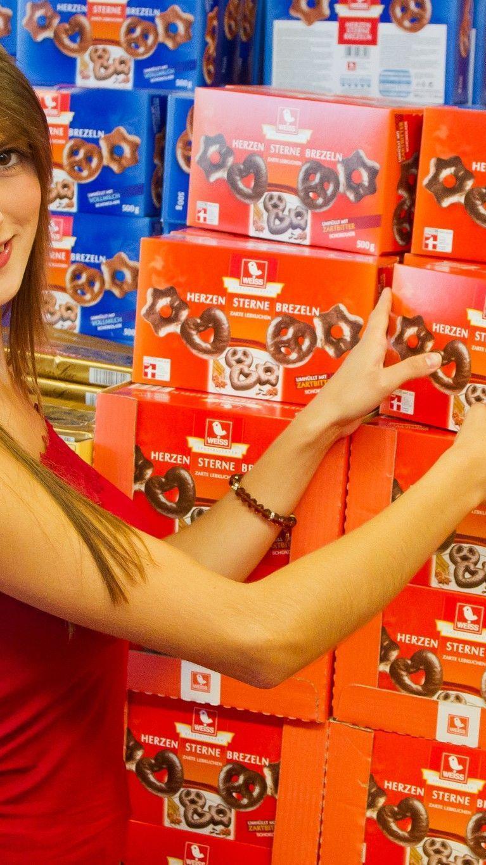 In Vorarlbergs Supermärkten sind schon die ersten Weihnachtsartikel in den Regalen zu finden.