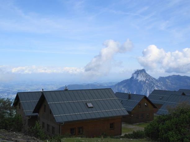 Der Feuerkogel ist mit einer Höhe von ca. 1650 Meter einer der schönsten Ausblickspunkte am Eingang zum Salzkammergut.