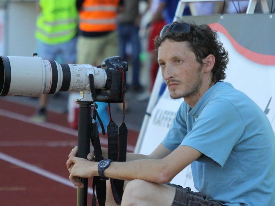 Die besten Szenen auf den Fußballplätzen halten die Medienhaus-Fotografen stets fest.