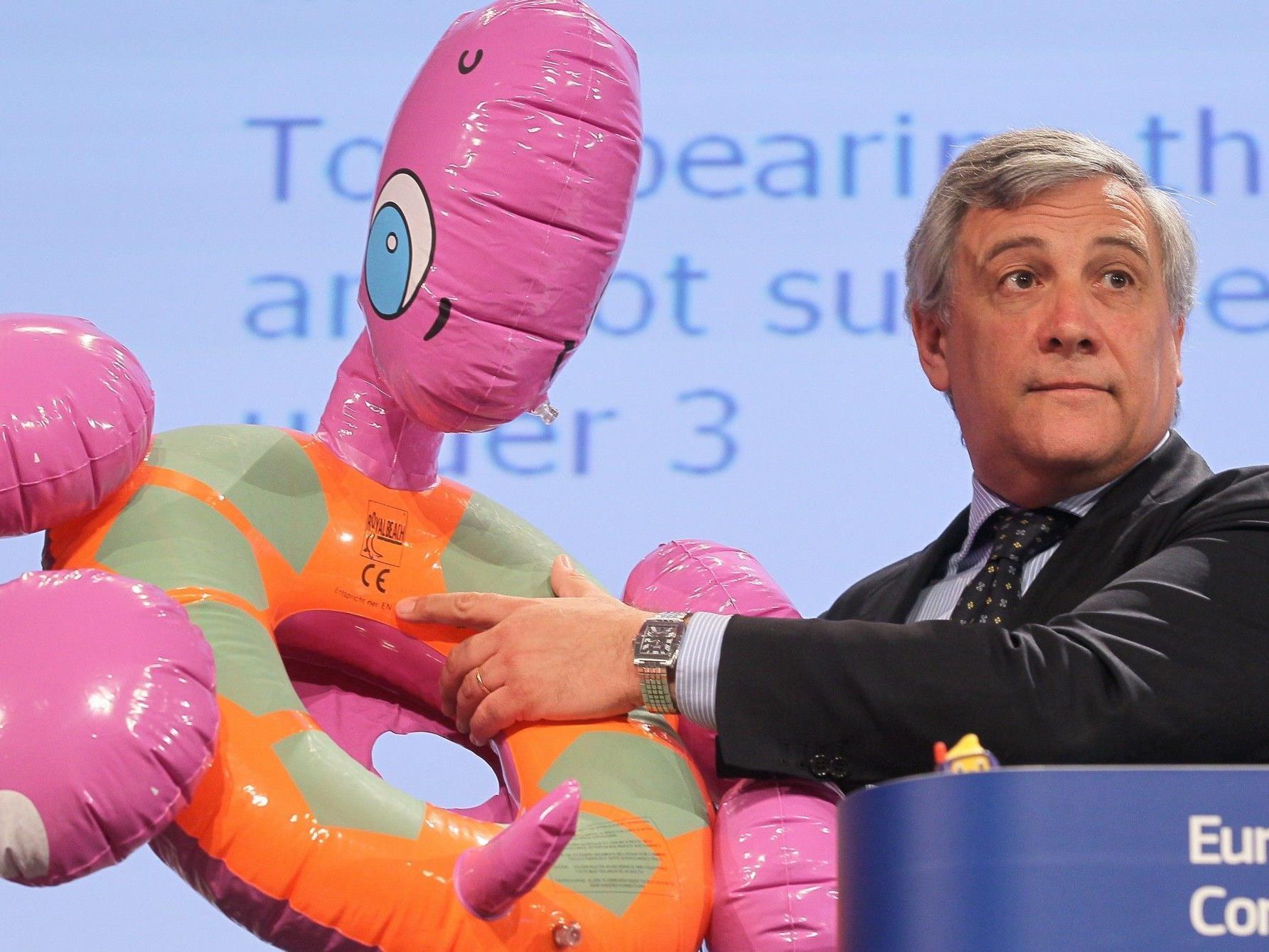 Insbesondere warnte die EU-Kommission davor, Spielzeug ohne CE-Kennzeichen zu kaufen.