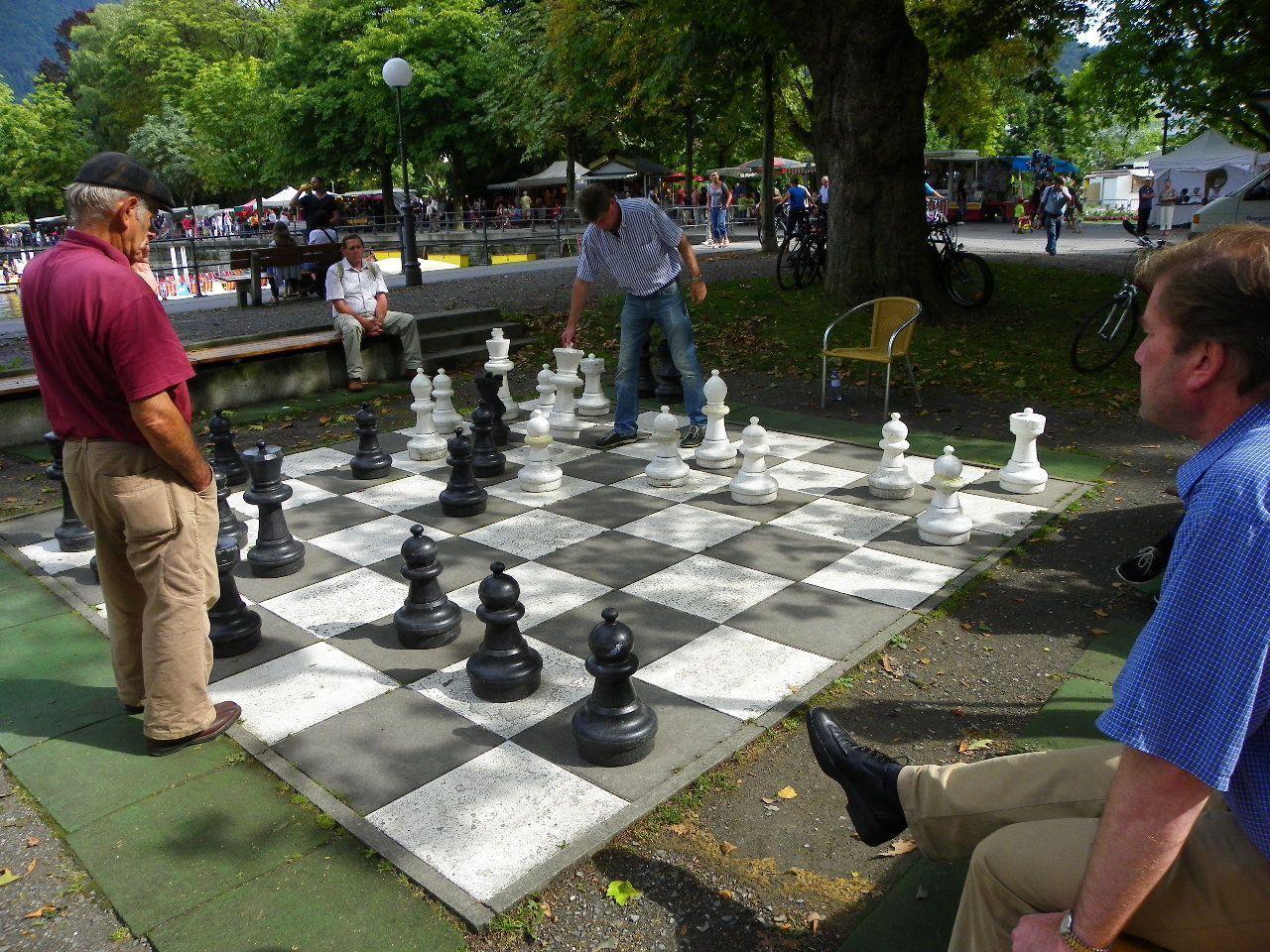 Spannende Schachpartien am See