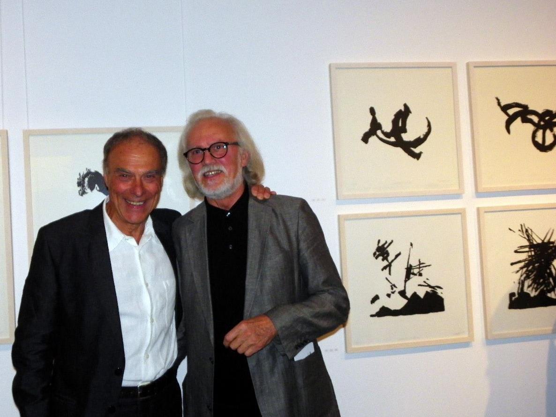 Künstler Hugo Ender (re) mit Vernissagredner Nino Malfatti