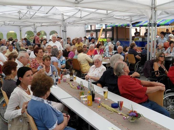 Rund 200 Gäste waren beim Sommerfest im Rankweiler Sozialzentrum mit dabei
