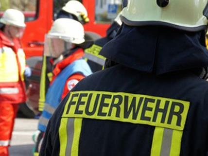 Ein Wohnungsbrand im Bezirk Wien-Umgebung forderte mehrere Verletzte.