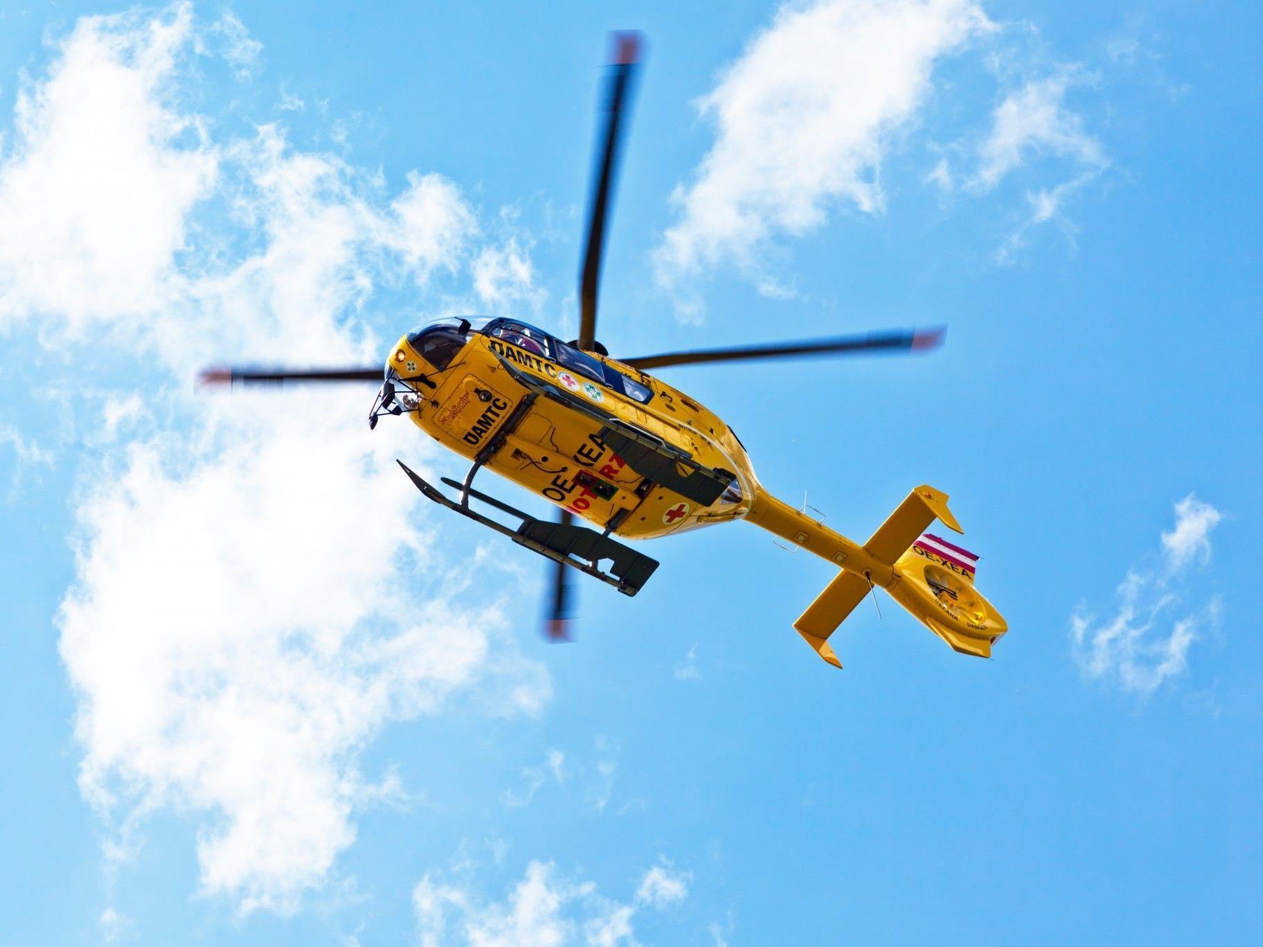Die Schwerverletzte wurde in die Uni-Klinik Innsbruck gebracht.
