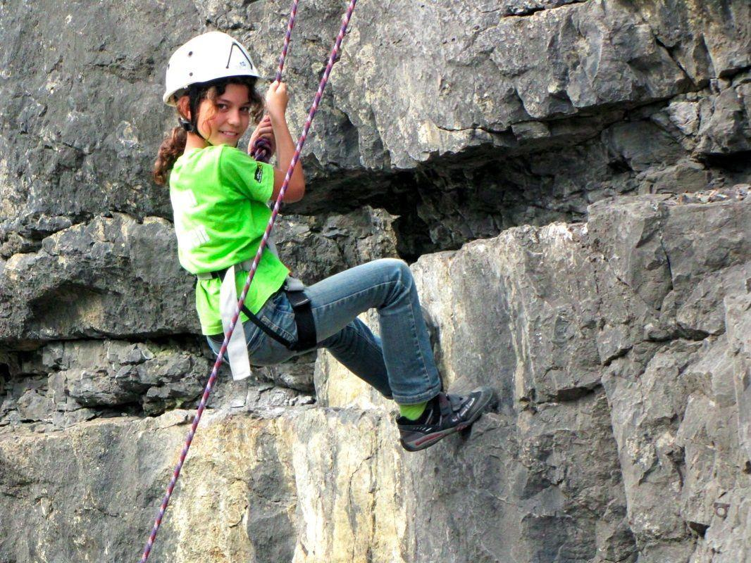 Jana gefiel das Abseilen beim 7. Kletterfest am Besten