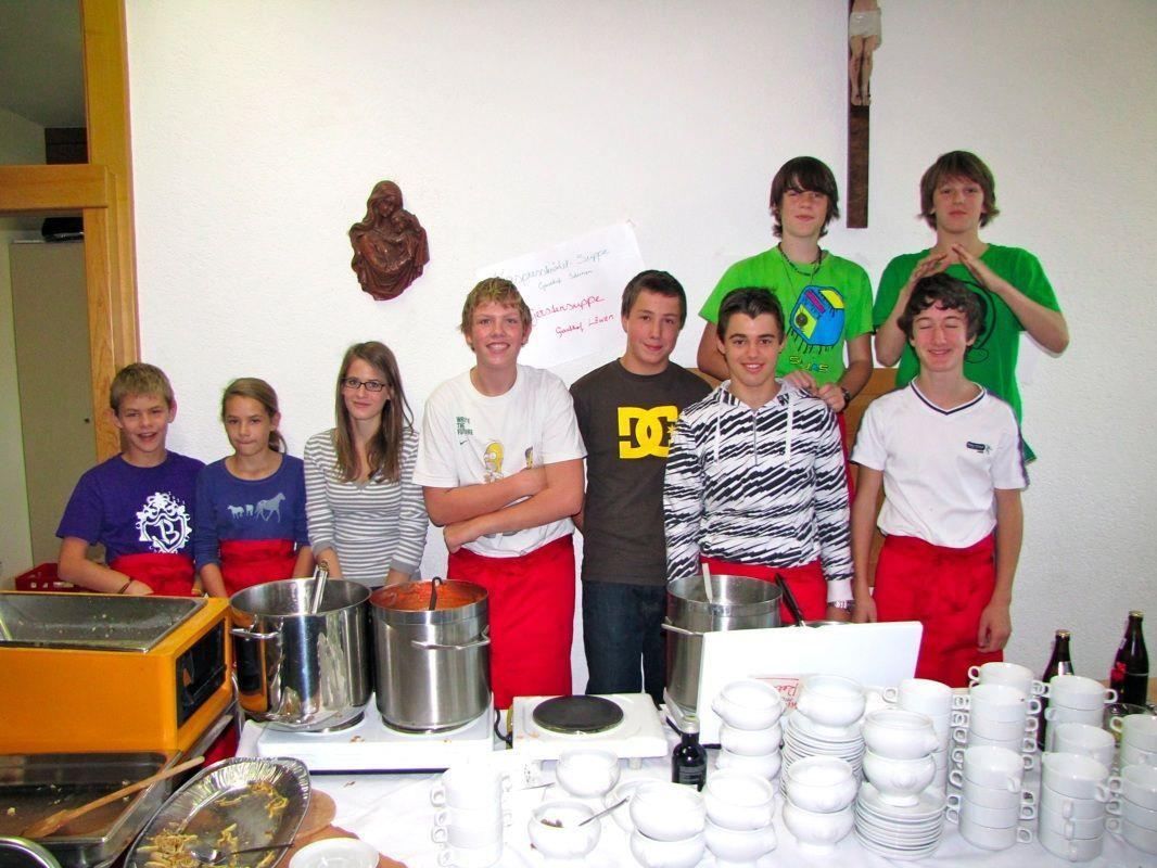 Die Firmlinge werden beim diesjährigen Suppentag tatkräftig mithelfen
