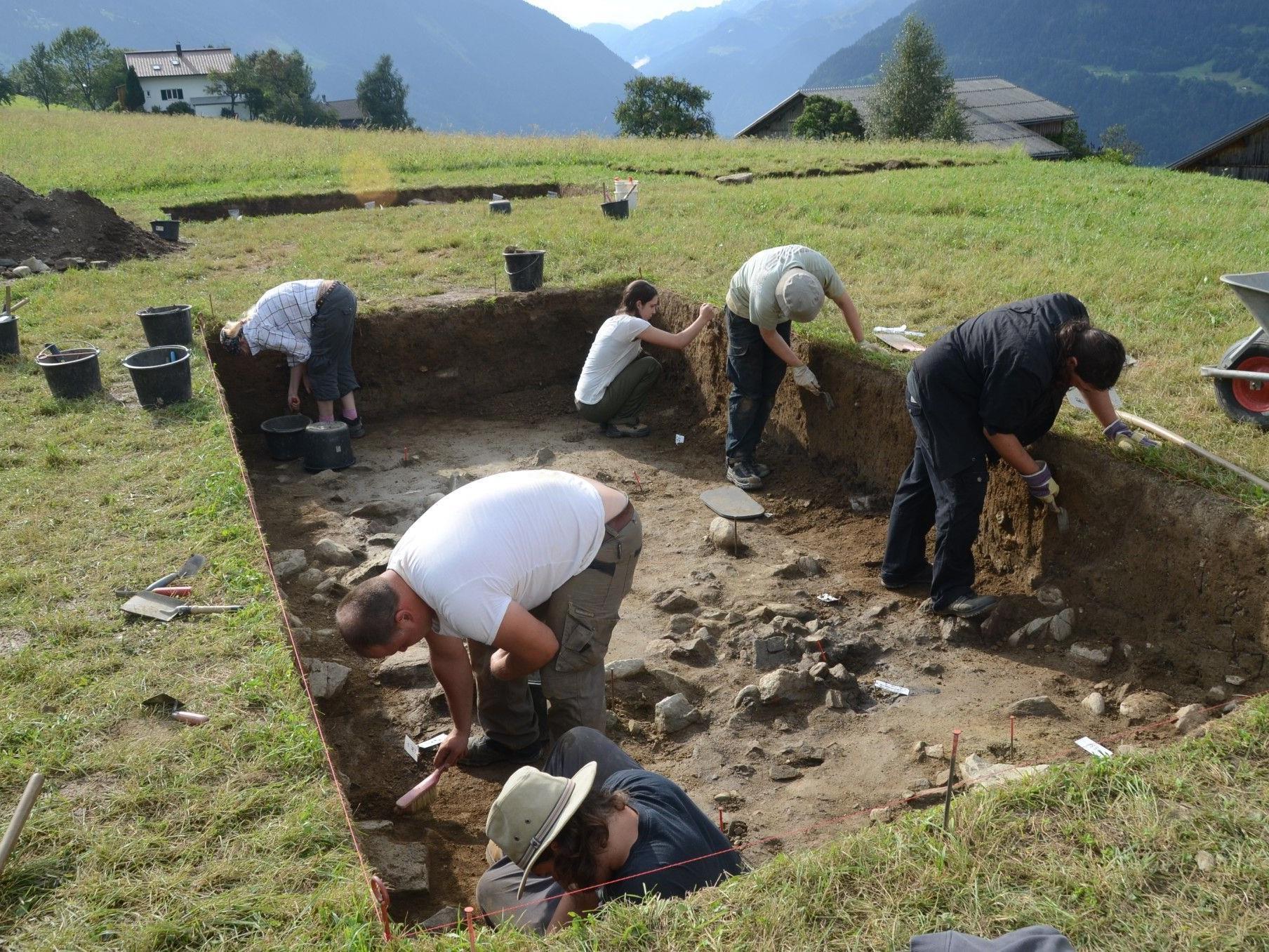 Die Ausgrabungen bei Dünglers Ebnis sind in vollem Gange.