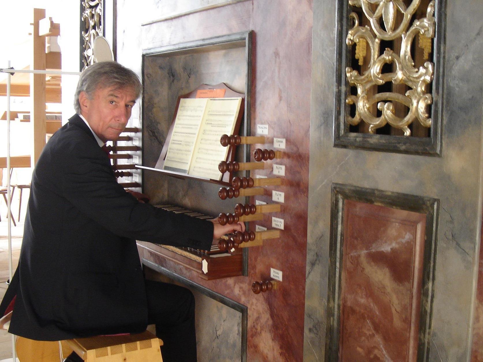 Prof. Bruno Oberhammer spielt das 15. Konzert mit Orgelwerken von Johann Sebastian Bach