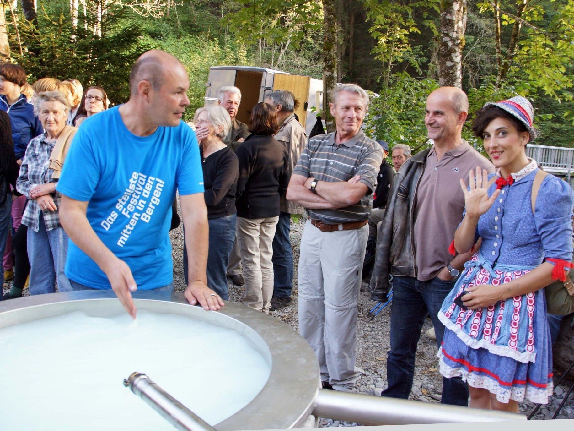 """Die neue """"Freibadeanstalt"""" mit Schwefelwasser-Qualität in Buchboden wurde eröffnet."""