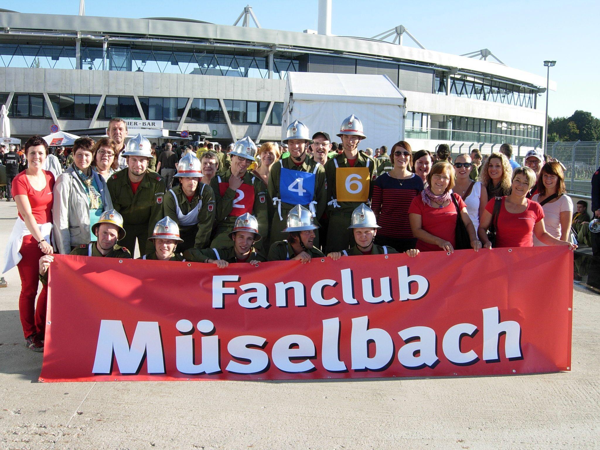 Wettkampfgruppe Ortsfeuerwehr Müselbach mit Fans beim Bundeswettbewerb 2012 in Linz