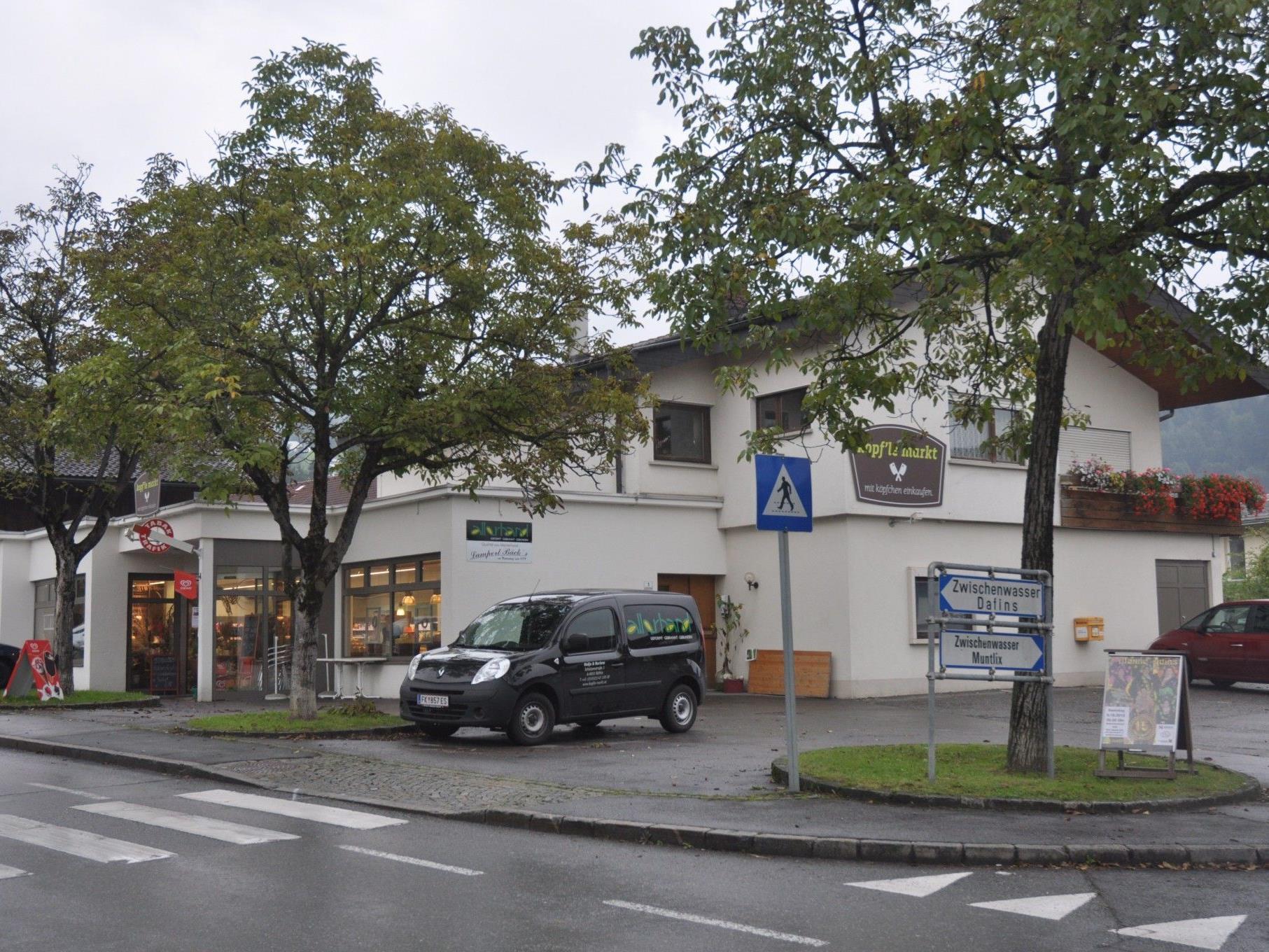 Die Bäckerei Lampert im Röthner Kopfle MArkt wird neuer Postpartner