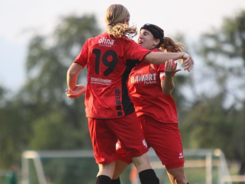 Veronika Vonbrül und Elis Eiler freuten sich über den 3:0-Auswärtssieg im VFV-Cup in Sulz.
