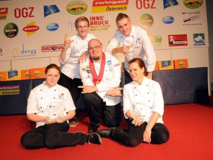 Siegerbild inter. Big Cooking Contest. erste Reihe: Bettina Wachter, Mike P.Pansi, Martina Politsch. weite Reihe Christopf Ott , Jens Schönegge (5 Platzierte auch aus Vorarlberg)