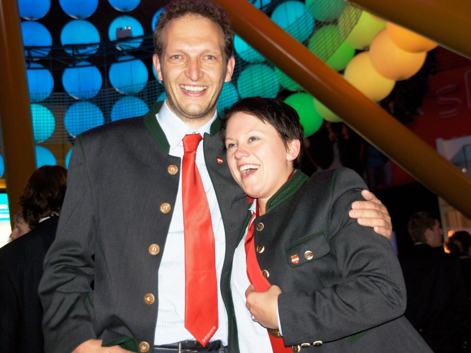 Erfolgreicher Maler-Trainer Michael Fetz mit Goldmedaillengewinnerin Renate Lässer an der Berufsweltmeisterschaft 2011 in London.