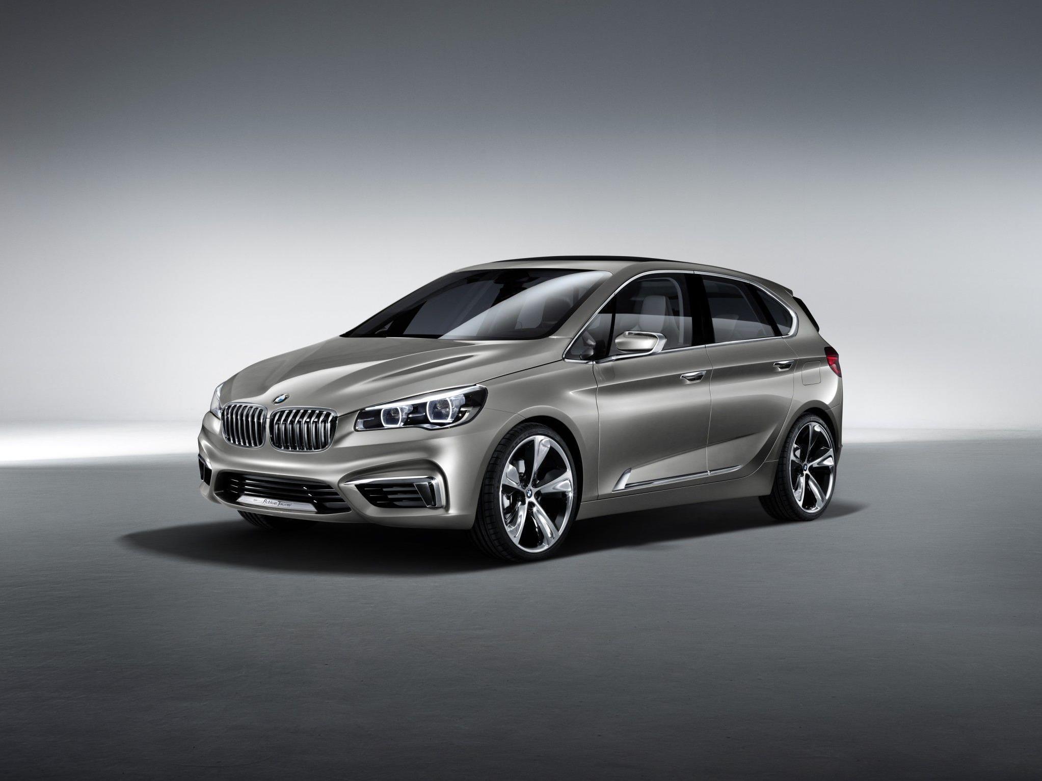 BMW zeigt Van-Studie in Paris.