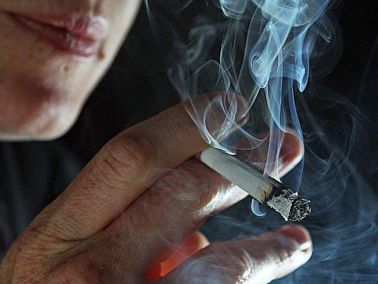 Das Rauchergesetz könnte in der Schweiz bald wesentlich strenger werden.