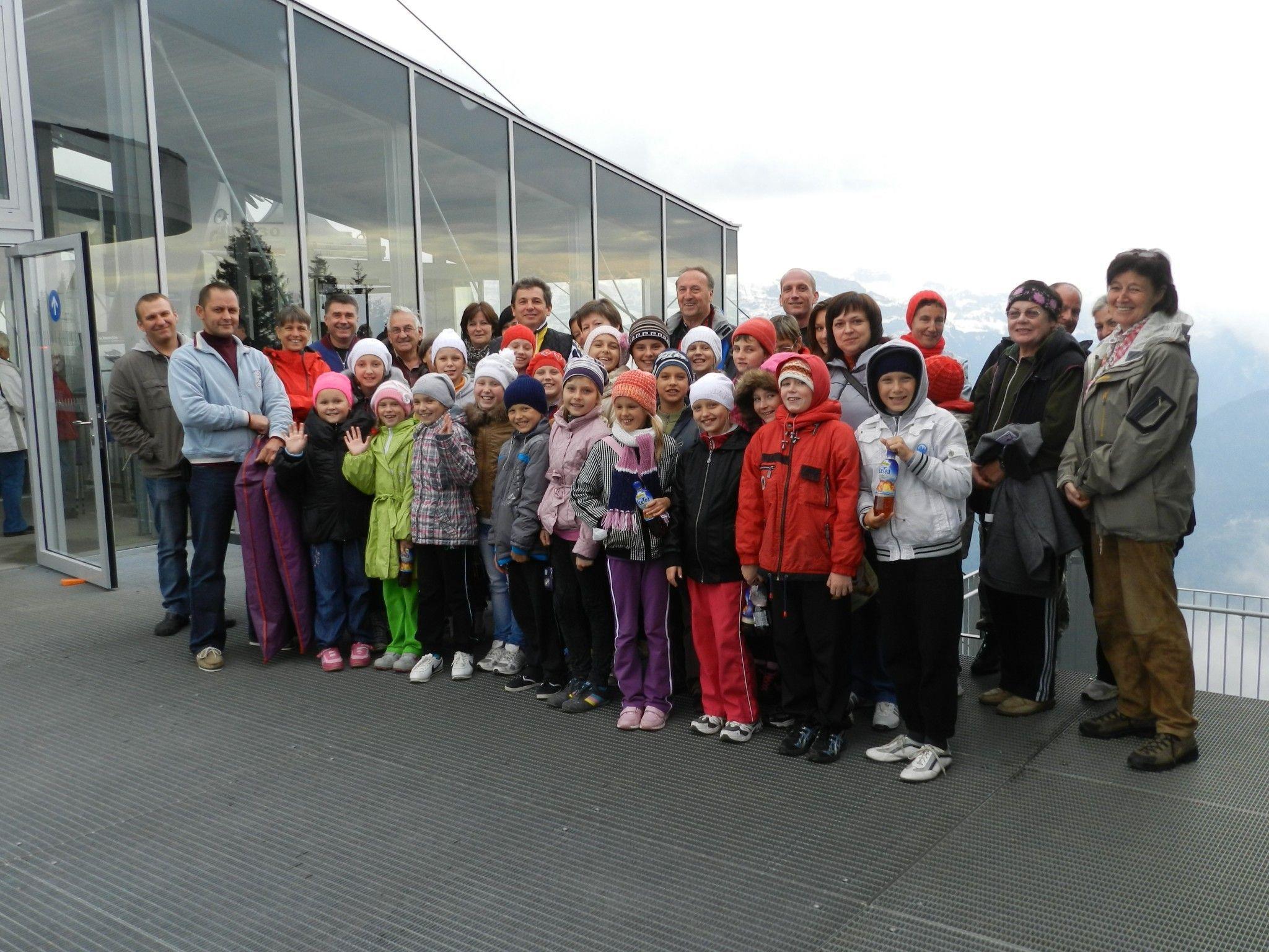 Kindergruppe aus der Region um Tschernobyl mit Begleitern