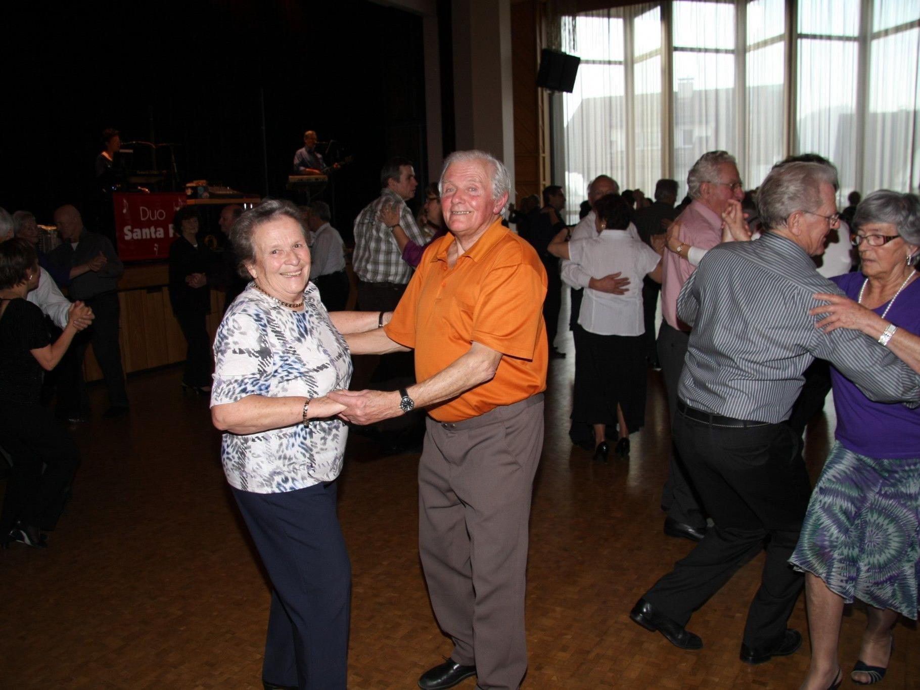 Der Seniorenring lädt zum Tanzen.