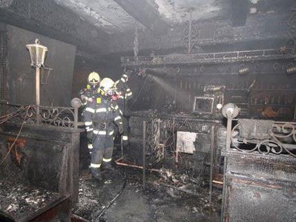 Der Ursache für den Brand in dem Wiener Neustädter Lokal ist noch unklar.
