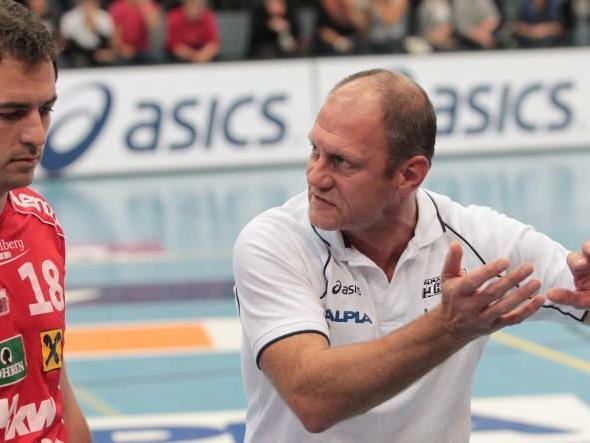 HC Alpla Hard gewann gegen Innsbruck und bleibt ohne Punkteverlust Tabellenführer.