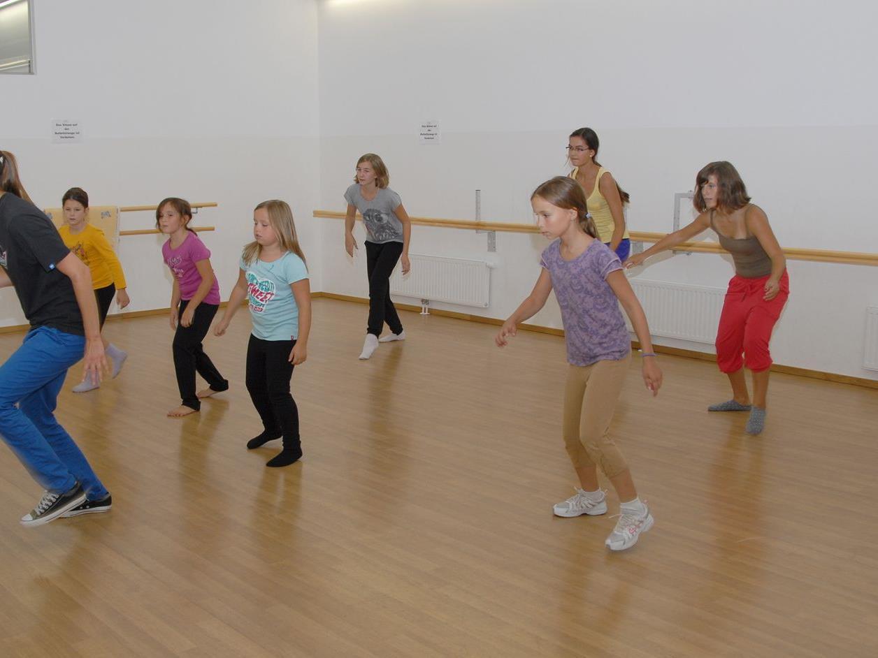 Kinder & Jugendliche aller Alterstufen hatten Spaß bei den Tanzworkshops der Bühnentanzschule Dance Hall im Sommer