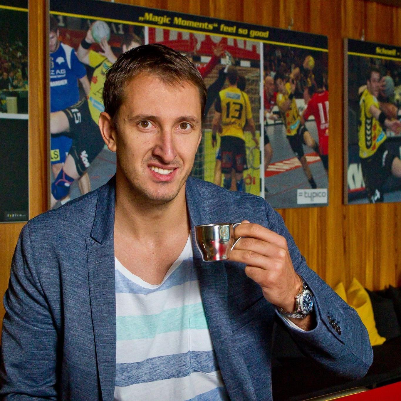 Drasko Mrvaljevic in der Champions- Lounge der Bregenzer. Der Kapitän des montenegrinischen Nationalteams spielte zuvor bei Frisch Auf Göppingen in der deutschen Bundesliga.