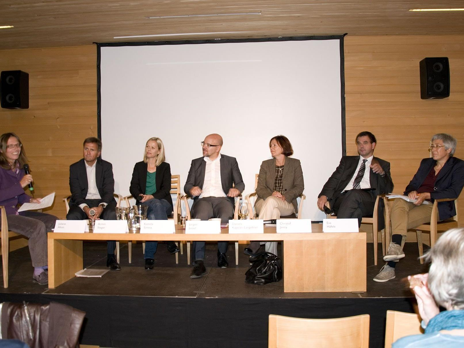 Am Podium diskutierten: Kamila Simma, Jürgen Jussel, Christoph Jenny, Daniel Kapelari-Langebner, Eva Häfele, Armin Steger und Juliane Alton.