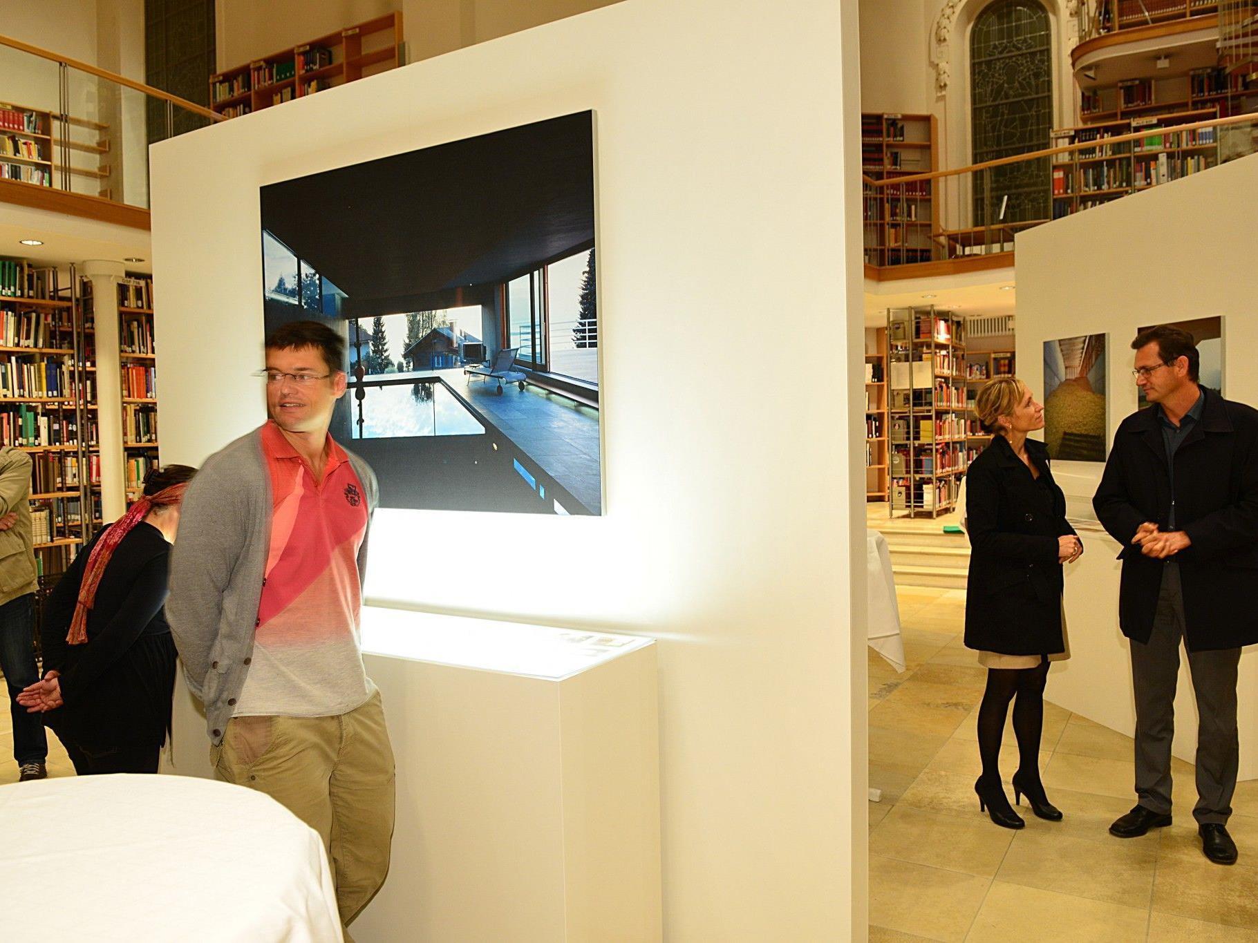 In der Landesbibliothek wurde die jüngste Erwerbung, das Fotoarchiv Ignacio Martinez, präsentiert