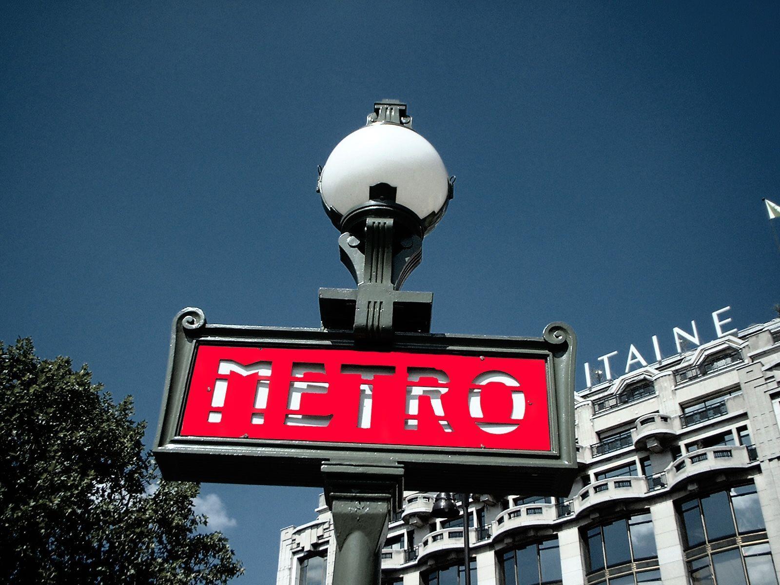 Kind erblickte auf Bahnsteig einer Pariser Metro-Station das Licht der Welt.