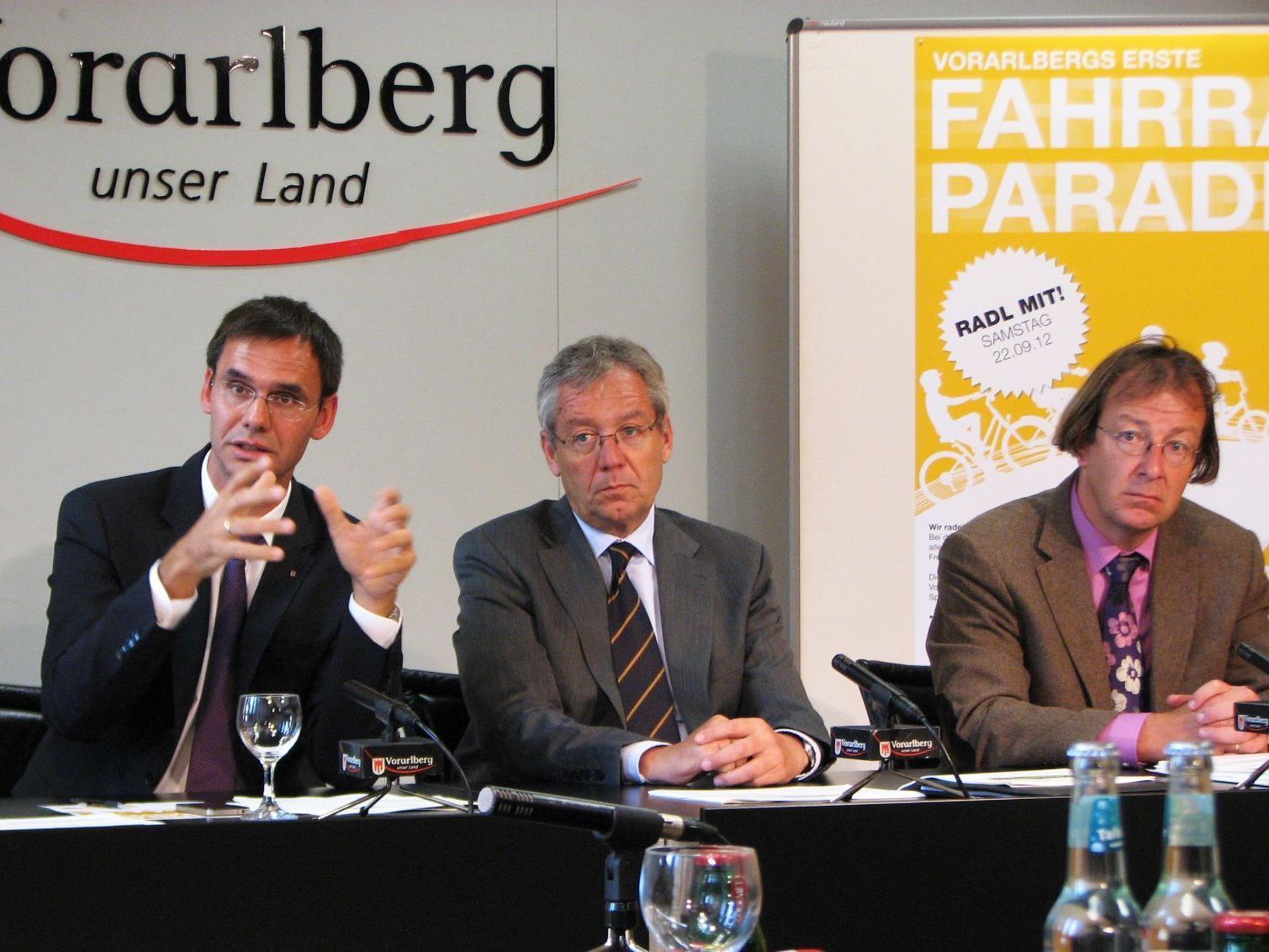 LH Wallner, LSth. Rüdisser und Martin Scheuermaier gaben im Pressefoyer einen Ausblick auf die MOBILWoche 2012.