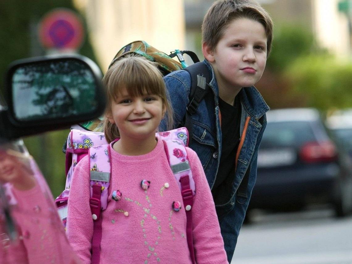 Der sichere Schulweg für Ihr Kind erfordert Übung und vor allem Ihr gutes Vorbild