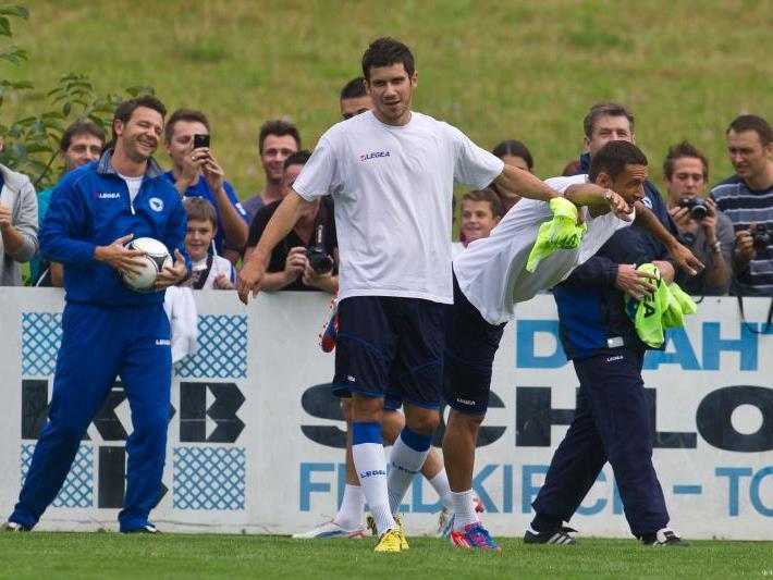 Das Nationalteam Bosnien absolviert beim SC Tisis drei Trainingseinheiten.