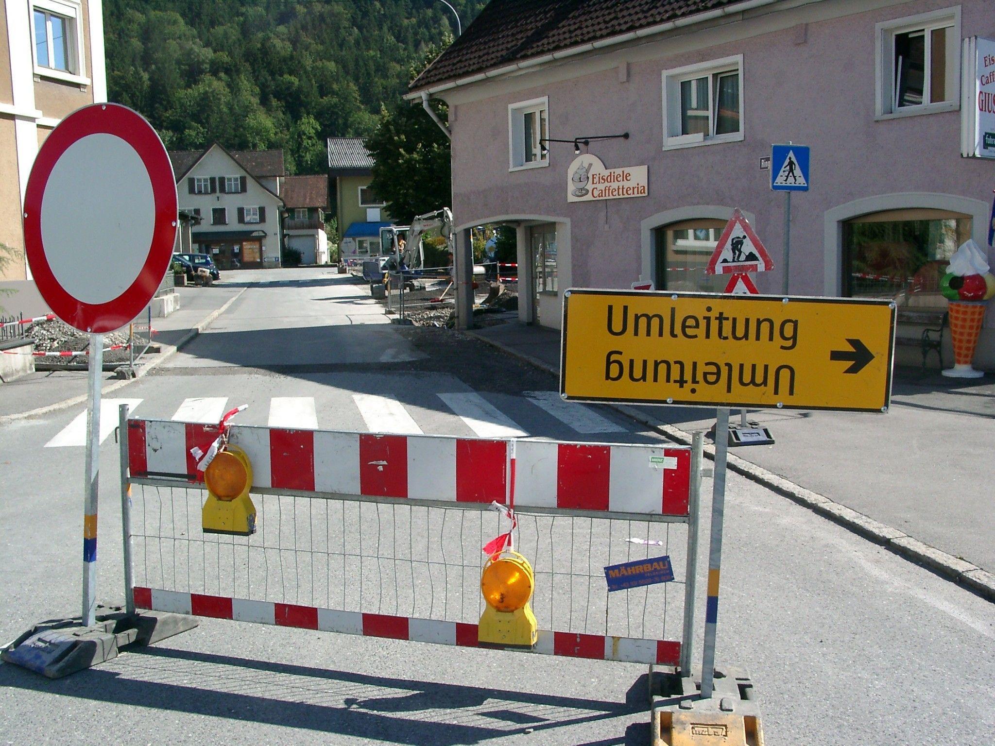 Neue Wasserleitung und eine bessere Straßenbeleuchtung wird an der hinteren Ringstraße gemacht.