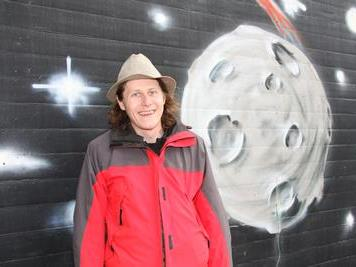 Jugendleiter Claudio Herburger freut sich schon auf den Graffiti-Jam beim Planet auf der Gastra
