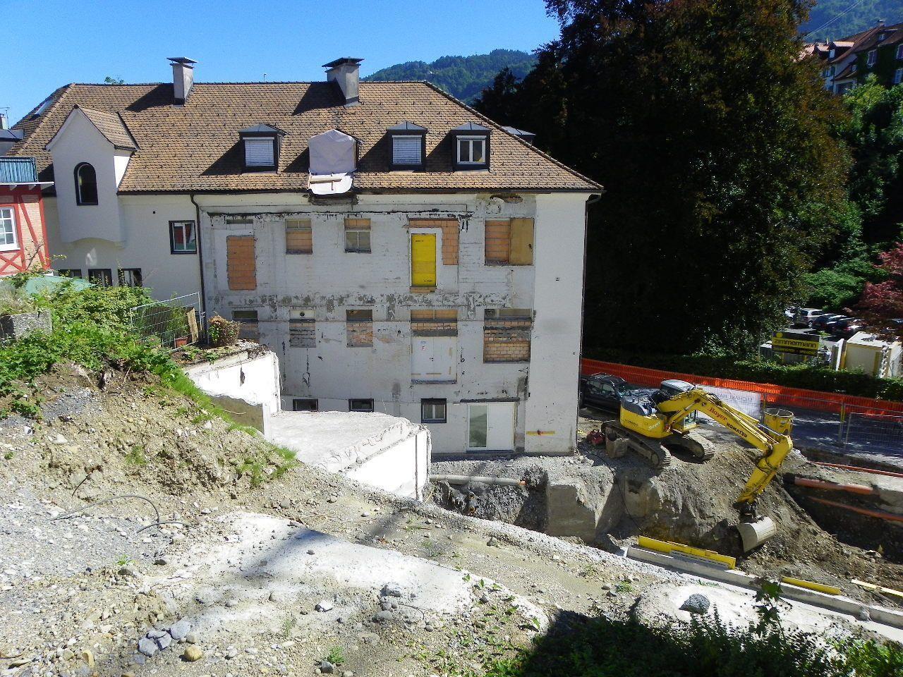 Platz für neues Wohn- und Geschäftshaus