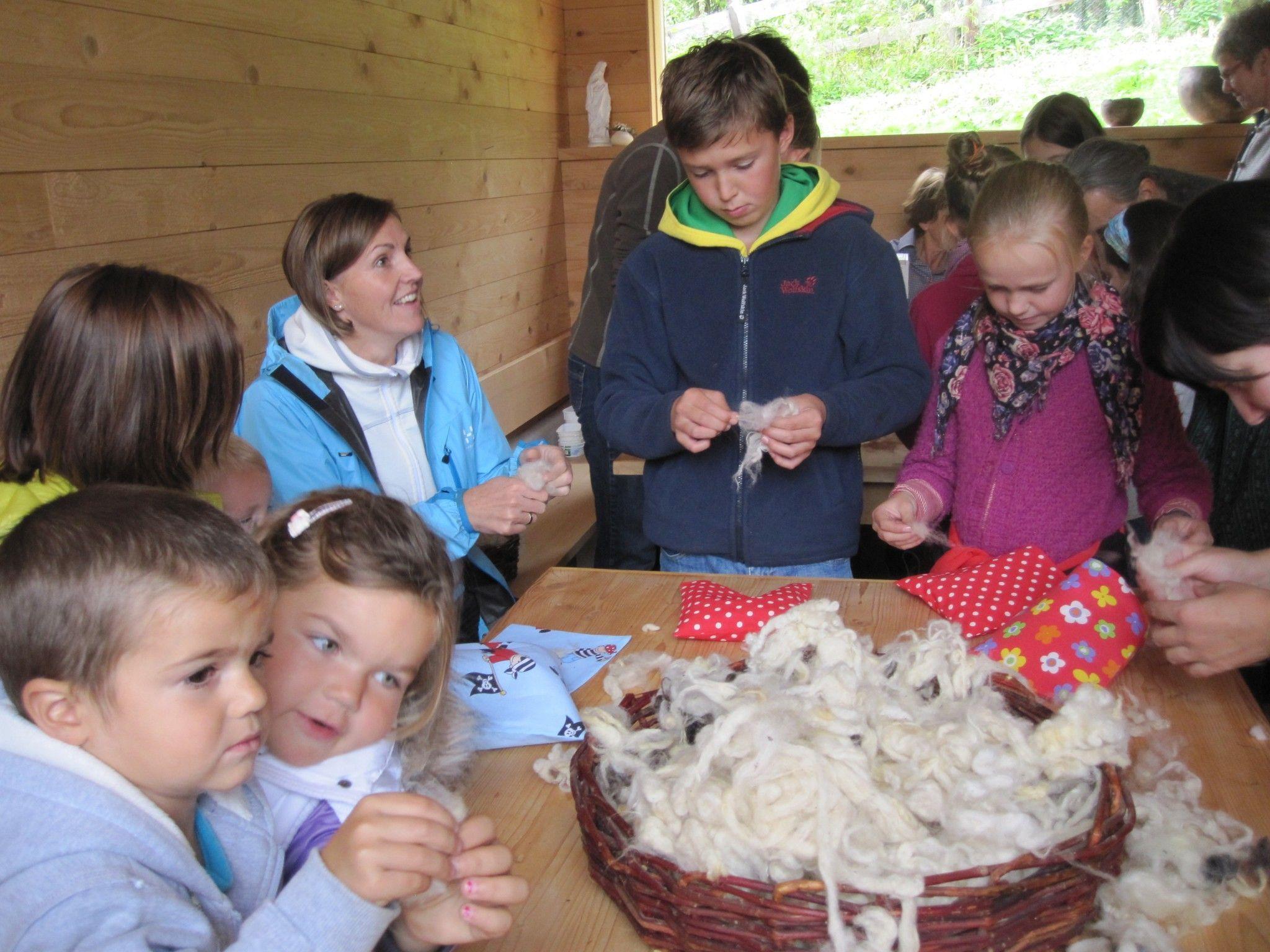"""Die Kinder zeigten großes Interesse am Thema """"Wolle"""""""
