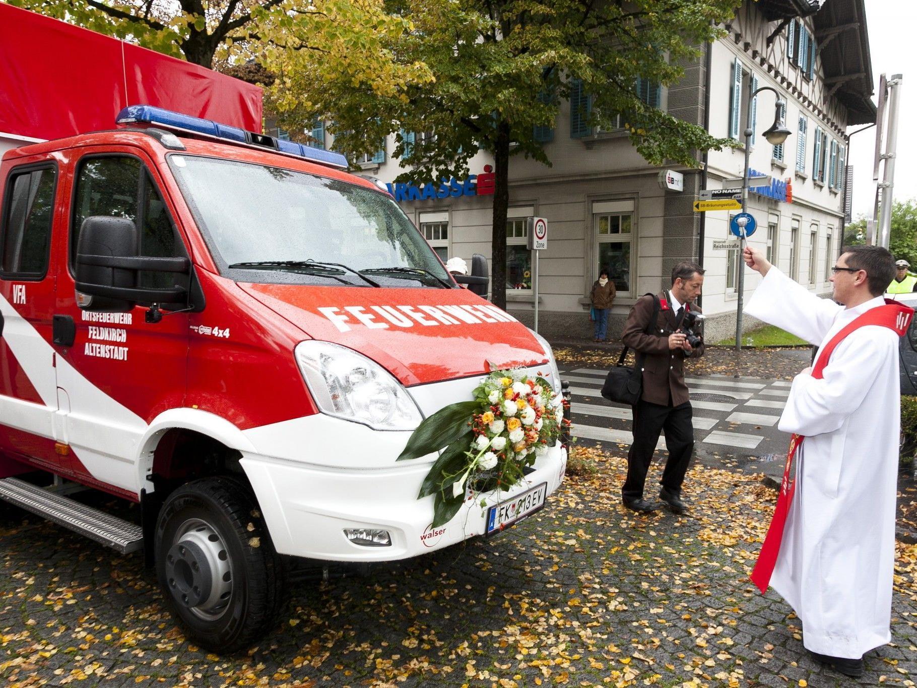 Feierliche Einweihung des neuen Fahrzeuges der Ortsfeuerwehr Altenstadt