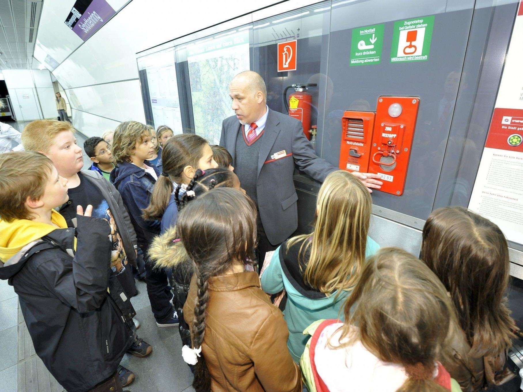 Auch in diesem Schuljahr bieten die Wiener Linien das Öffi-Sicherheitstrainings für Kinder a