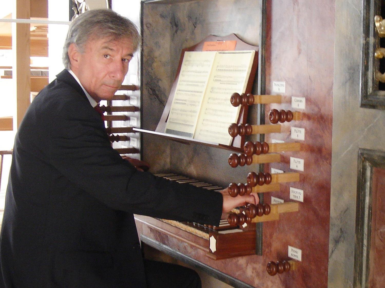 Prof. Bruno Oberhammer spielt am Montag, den 12. November, um 20:15 Uhr in der Pfarrkirche Höchst